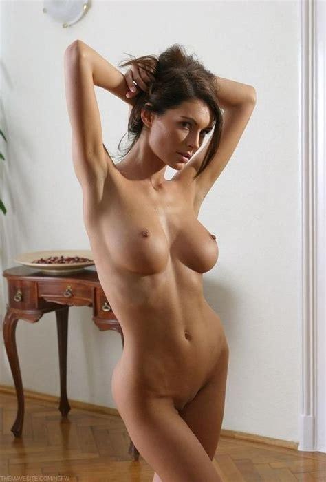 Super Sexy Brunette Porn Pic
