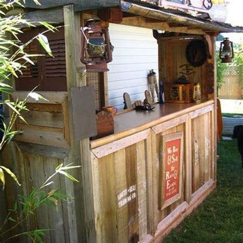 Make A Tiki Bar by How To Build A Backyard Tiki Bar Tiki Bars Bar Plans