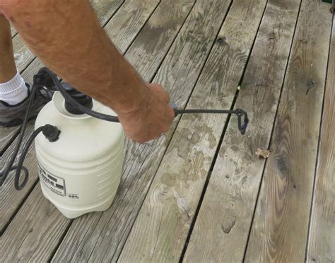 Cleaning Mildew Off Wood Deck
