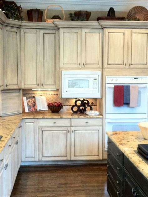 painting melamine kitchen cabinets best 25 melamine cabinets ideas on laminate 4051