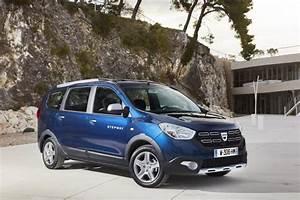 Prix D Une Dacia : dacia 7 places dacia lodgy prix et nouveauts de la version 2017 ~ Gottalentnigeria.com Avis de Voitures
