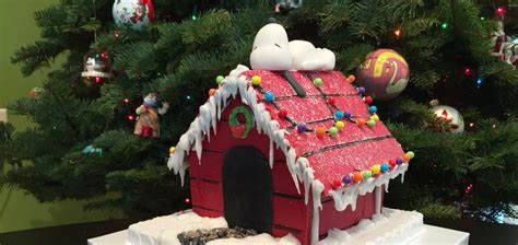 12 Best Gingerbread Houses & Castles For The Holidays