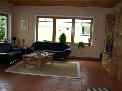 Wohnzimmer Wandgestaltung Braun by Wohnzimmer Wandgestaltung Streifen Dumss