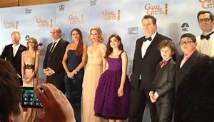 File:Modern Family Cast.jpg - Wikimedia Commons