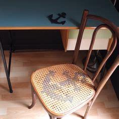 chaise bistrot ancienne chaise de bistrot ancienne cannage et point de croix