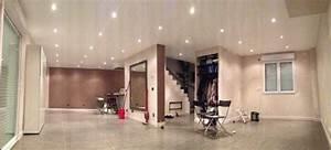 Spot Plafond Salon : d coration plafond avec spots nos conseils ~ Edinachiropracticcenter.com Idées de Décoration
