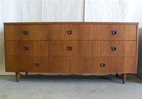 mid century modern bedroom dresser vluu l200 samsung l200 high falootin junk Mid Century Modern Bedroom Dresser