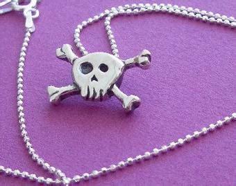 small lithuanian vytis pendant  women  men  undinejewellery