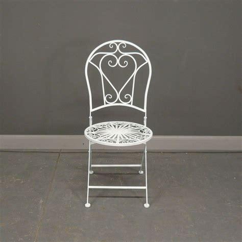 chaises en fer forgé salon de jardin en fer forgé blanc avec deux chaises