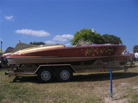 Name The 4 Sides Of A Boat by Put Your Boat Name On The Side Classic Boats Woody Boater