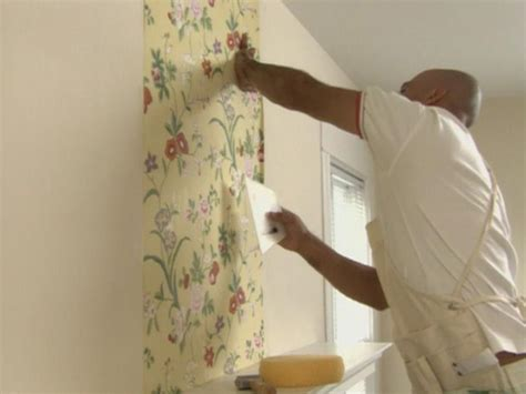 hanging wallpaper diy