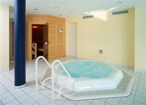 wellness mit whirlpool whirlpool mit sauna badmodernisierung kissel stuttgart
