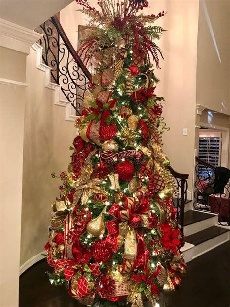decoracion de arboles con cinta arboles de navidad color rojo arboles de navidad rojo y