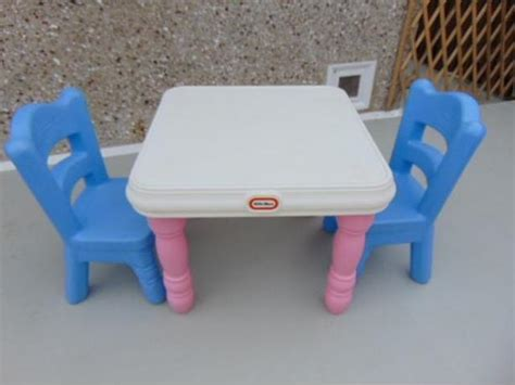 little tikes rare victorian pink table 2 blue chairs ages
