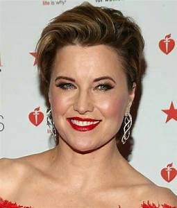 Lucy Lawless attends at the American Heart Association's ...