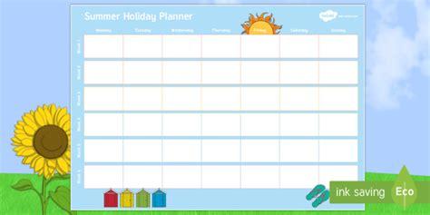Summer Activity Calendar | Twinkl (teacher made)