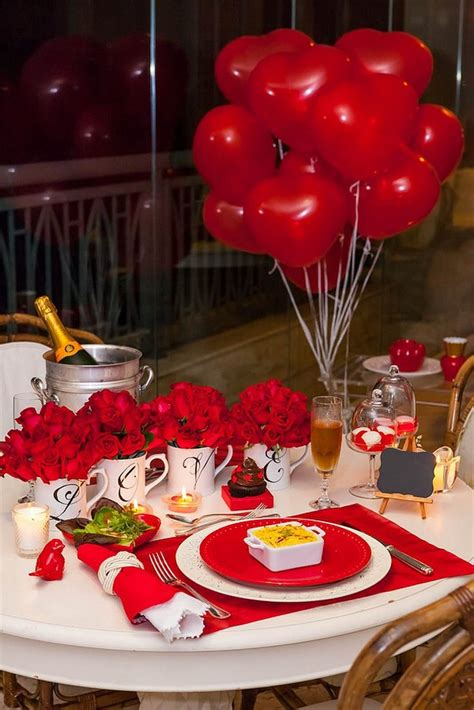 dinner table decorations valentine s day dinner table setting with roses and balloons fun life pinterest table