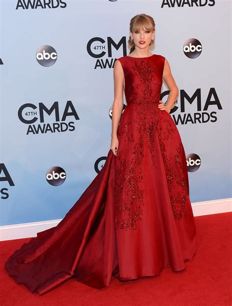 Taylor Swift In Red Dress At 2013 Country Music Awards | POPSUGAR Celebrity Australia