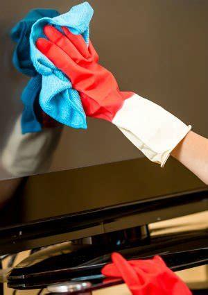 cleaning tv screen cleaning a flat screen tv quick tip bob vila