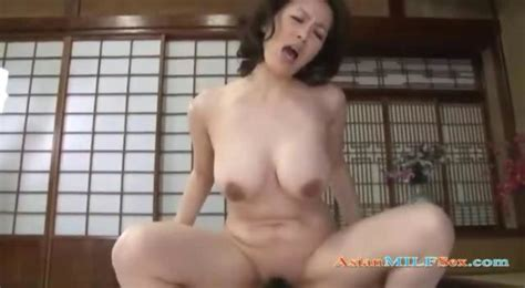 busty asian milf getting her pussy fucked and creampeid on