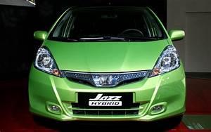 2011 Honda Fit Hybrid - 2010 Paris Auto Show