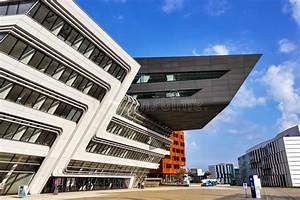 Zaha Hadid Architektur : zaha hadid architektur redaktionelles stockfotografie bild von atrium 45713047 ~ Frokenaadalensverden.com Haus und Dekorationen