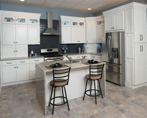 white shaker kitchen cabinets best white shaker kitchen