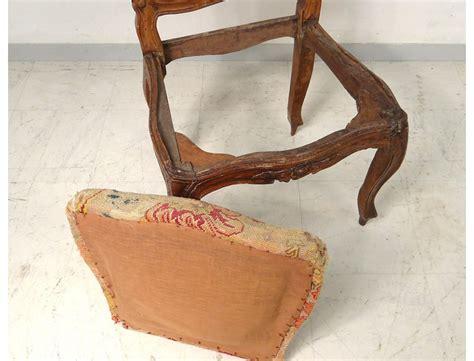 chaises louis xv chaise à châssis louis xv noyer sculpté tapisserie fleurs