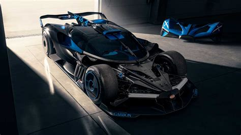 From modern and elegant white shirts for formal occasions, to bugatti floral shirts for more casual events. Bugatti explains how it developed the wild Bolide track star