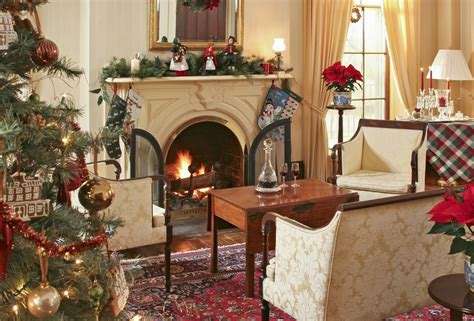 get the look traditional christmas 15 beautiful ways to decorate the living room for christmas