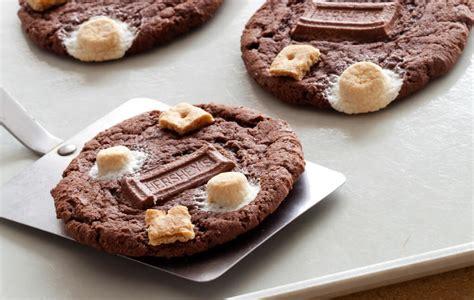 membuat kue kering coklat  mendongkrak usaha