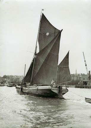 limehouse reach  sailing barge  museum  london
