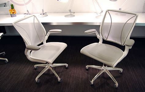 Diffrient World Chair Vs Aeron by Diffrient World Chair From Humanscale 3rings