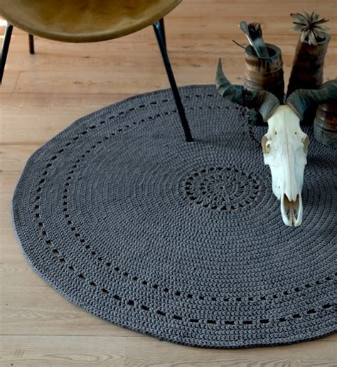 modele tapis rond tribal au crochet diy  idees
