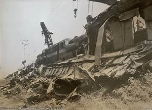 Prr Wreck Cranes Attempt To Move The Wrecked Gg1