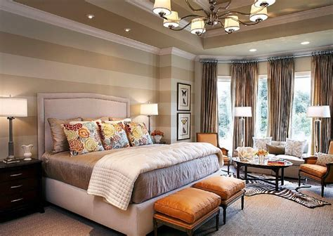ways to arrange a small bedroom how to decorate a bedroom with striped walls 20951 | stripes 2 587e8afb3df78c17b6b8e71e