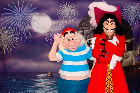disney world extravagance pirates pals fireworks voyage