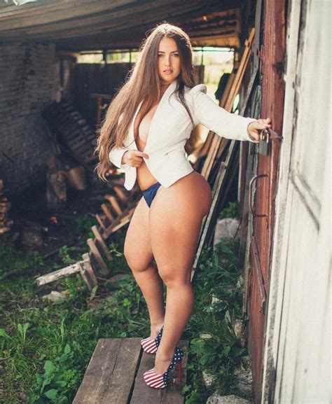 Piernona Viktoria Manas Pinterest Sexy Curves And