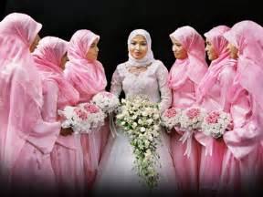 muslim bridesmaid dresses between you and me muslim 39 s bridal gown and make ups