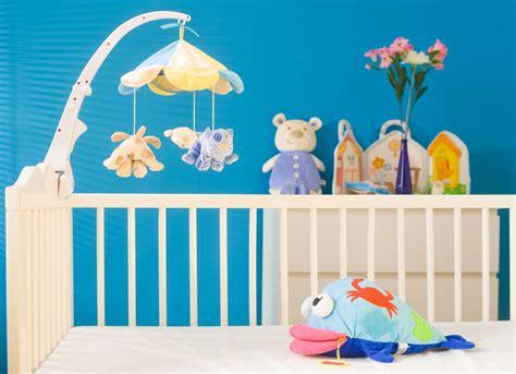 préparer la chambre de bébé bien préparer l 39 arrivée de bébé à la maison pratique fr
