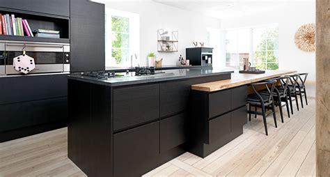hauteur table bar cuisine hauteur plan de travail cuisine adaptée le plaisir à