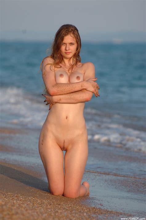 juni femjoy nude