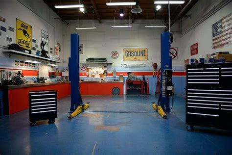 Wheeler Dealers California Workshop Location by Wheeler Dealers I Really Like This Show And Adore The
