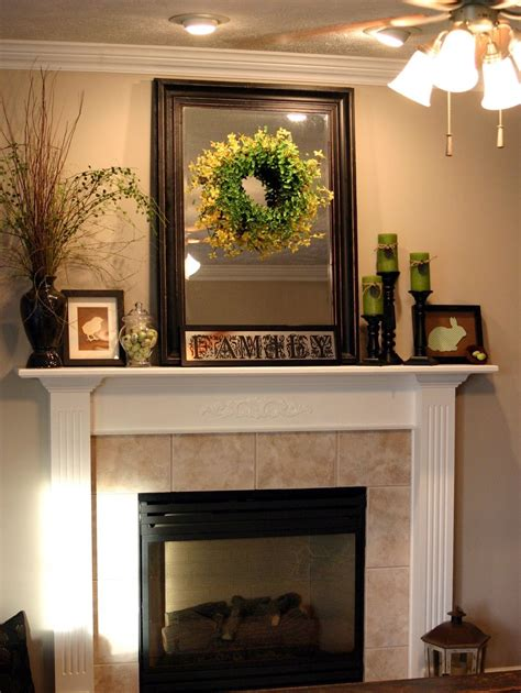decorate  fireplace mantle christmas decor