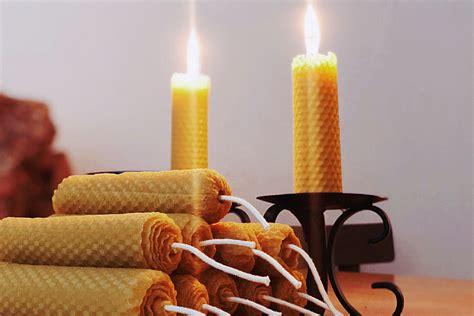 Vaska sveces patīkamai atmosfērai mājās. Sveču tīšana