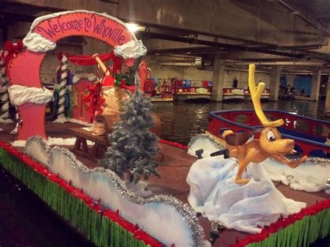 lighted christmas floats paseo del rio  ready