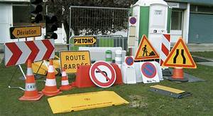 Protection Sol Pour Travaux : location de signalisation et quipement de chantier btp panneaux temporaire ak5 ~ Melissatoandfro.com Idées de Décoration