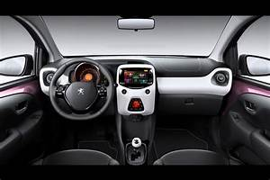 Peugeot 108 Automatique : peugeot 108 lands in geneva shows interior for the first time 92 photos video ~ Medecine-chirurgie-esthetiques.com Avis de Voitures