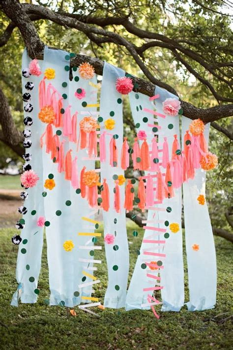 Diy Outdoor Photo Backdrop by 70 Budget Friendly Diy Photo Booth Backdrop Ideas And