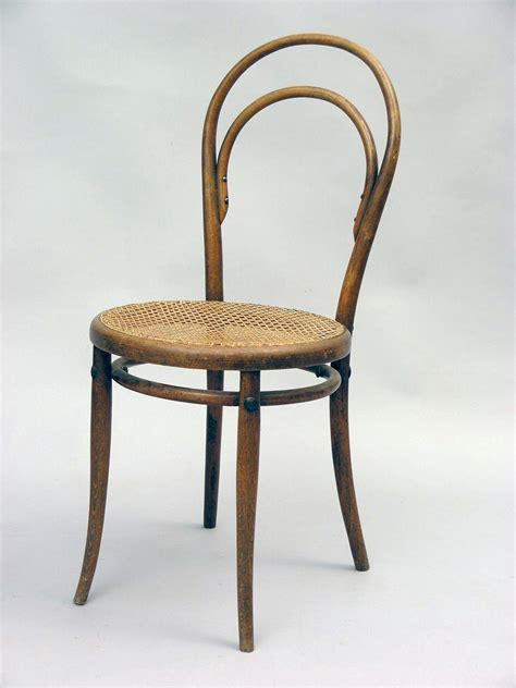 chaise thonet 14 the quot chair of chairs quot why this 1859 chair is so